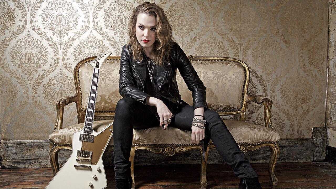 Lzzy Hale de Halestorm con The Picturebooks – This Is Rock
