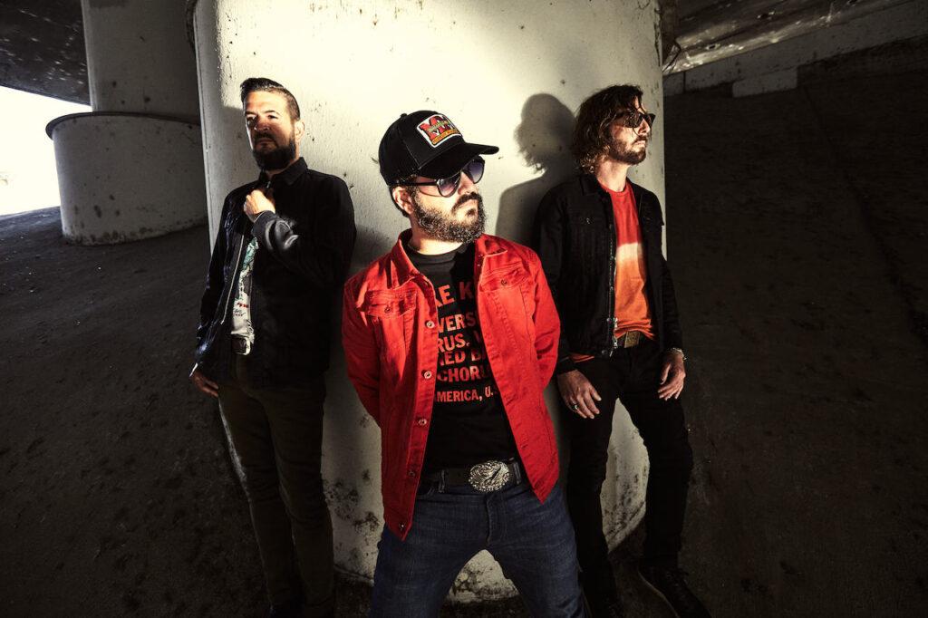 La revista con la música que es importante en tu vida Classic Rock Hard Rock Heavy Metal Prog Rock Blues The Record Company Presenta 'Play Loud'