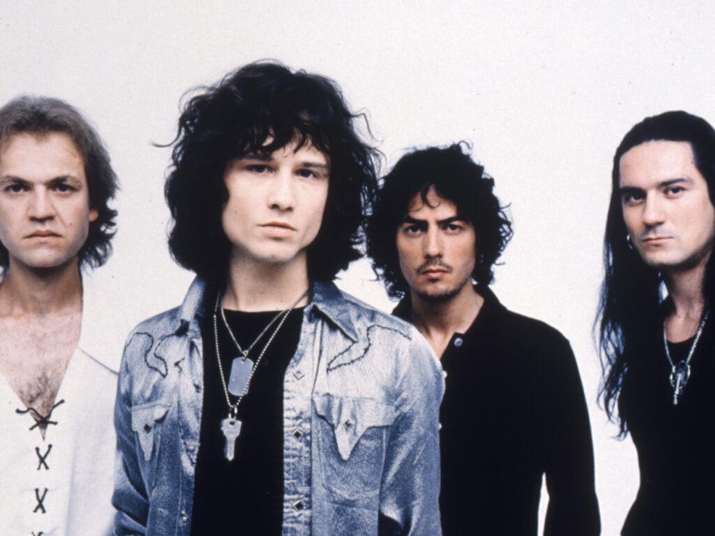 heroes del silencio - 10 Atípicas a no Perderse La revista con la música que es importante en tu vida Classic Rock Hard Rock Heavy Metal Prog Rock Blues